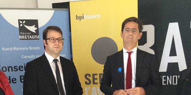 Le président de la Région Bretagne, Loïg Chesnais-Girard, et Nicolas Dufourcq, directeur général de la BPI avant la signature de l'accord.