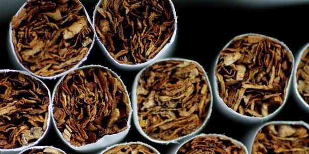 La ministre de la Santé Agnès Buzyn a défendu cette mesure comme un enjeu majeur, mettant en avant un lien absolu entre l'augmentation du prix et la réduction du tabagisme.