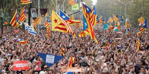 Les partis indépendantistes ont fait inscrire vendredi à l'ordre du jour du parlement catalan une motion visant à proclamer l'indépendance et l'avènement de la République de Catalogne.