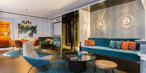 Luxury Properties by Caisse d'Epargne cible les places où l'immobilier de luxe est actif. Ici à Paris, un appartement signé Gérard Faivre.