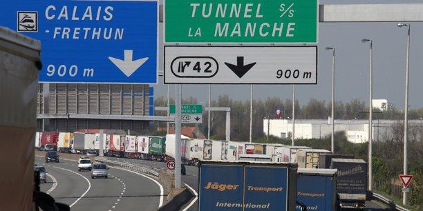S'il ne faut ne serait-ce que deux minutes pour les formalités douanières, vous imaginez les files d'attente, s'est inquiété à l'AFP la représentante de la FNTR à Bruxelles.