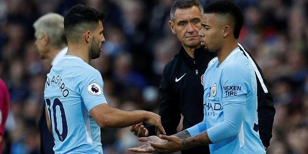 Manchester City perçoit6 millions de livres (6,8 millions d'euros) par saison de la part de Nexen, autre manufacturier de pneumatiques, qui a souhaité accroître sa visibilité auprès du club mancunien en acquérant cet espace premium.