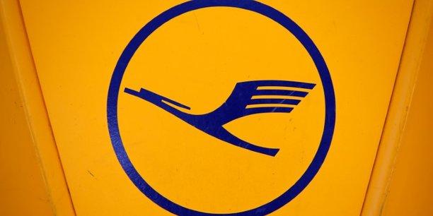 Alitalia: lufthansa offre 250 millions d'euros pour la flotte, 6.000 salaries[reuters.com]