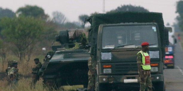 L'armee zimbabweenne prend le pouvoir dans le pays[reuters.com]
