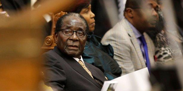 Une fois assuré du fauteuil présidentiel, Emmerson Mnangawa ira-t-il jusqu'à accélérer la machine judiciaire contre son ex-mentor, Robert Mugabe.