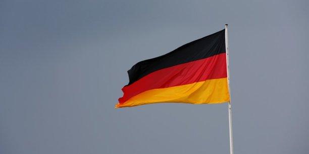 Alors que le pays se cherche toujours un gouvernement, après l'échec des discussions menées pour former une coalition autour de la chancelière Angela Merkel, les caisses de l'Allemagne sont pleines.