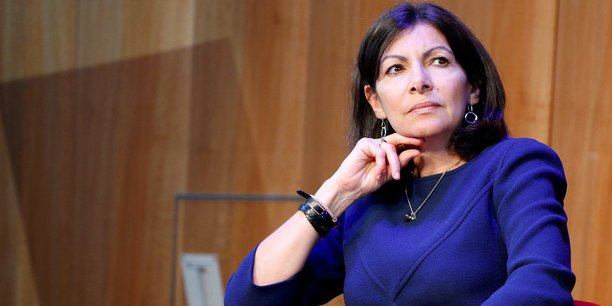 anne hidalgo la voiture autonome est une solution pour renforcer la mobilit paris. Black Bedroom Furniture Sets. Home Design Ideas