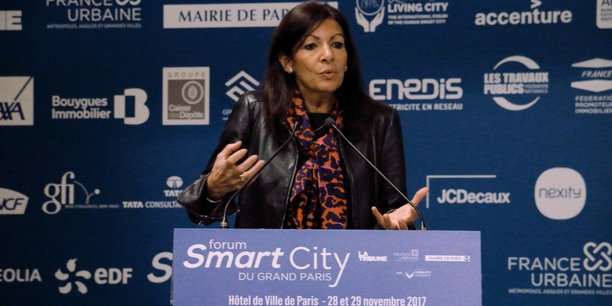 Anne Hidalgo lors de son discours d'ouverture du Forum Smart City du Grand Paris.