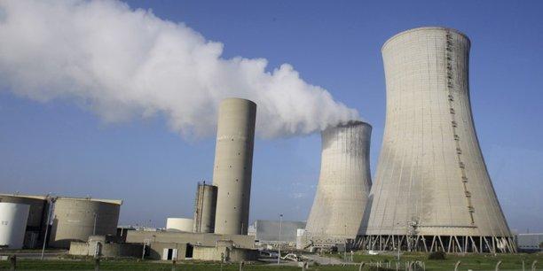 La centrale de Tricastin dans la Drôme (26) est la première du parc nucléaire français à avoir réalisé sa quatrième visite décennale. Examen crucial pour décider de la prolongation de sa durée de vie jusqu'à 50 ans.