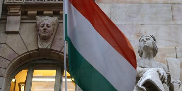 Bruxelles saisit la cour de justice de l'ue contre la hongrie[reuters.com]