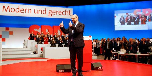 Schulz prie le spd de soutenir les discussions avec merkel[reuters.com]