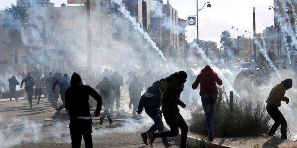 Heurts entre l'armee israelienne et des manifestants palestiniens[reuters.com]