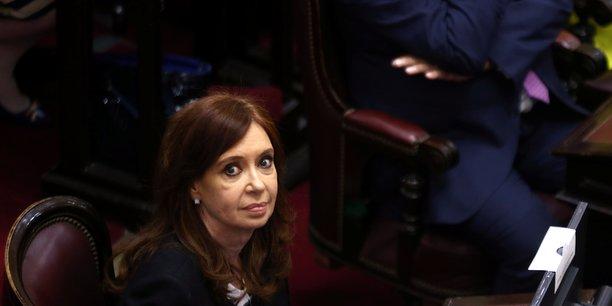 Un juge argentin inculpe l'ancienne presidente fernandez[reuters.com]