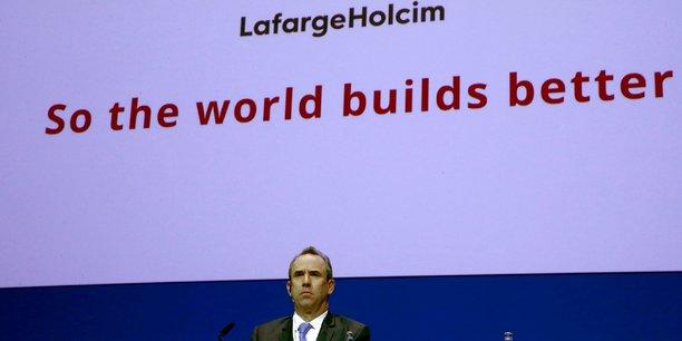 Eric Olsen, nommé en avril 2015 pour diriger le nouveau géant mondial du ciment issu de la fusion du français Lafarge et du suisse Holcim, avait quitté le groupe le 15 juillet 2017, à la suite d'une enquête interne sur d'éventuelles transactions avec des groupes armés en Syrie.