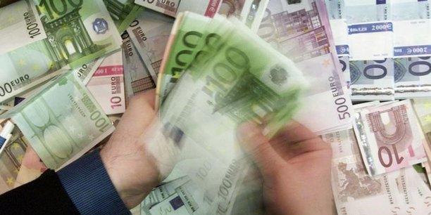 Francfort a décidé fin octobre de réduire de moitié ses achats de dettes à 30 milliards d'euros par mois dès janvier et jusqu'à septembre 2018 au plus tôt
