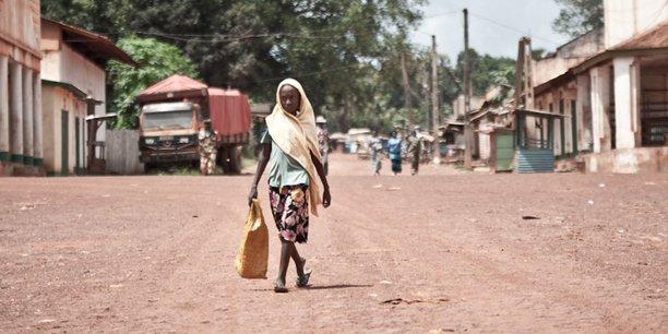 Située au centre-est du pays, la ville de Bambari a pu bénéficier des premières aides octroyées par les bailleurs internationaux, dans le cadre du Plan national de relèvement et de consolidation de la paix en Centrafrique.