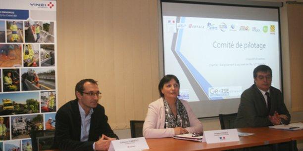 De gauche à droite : Guillaume Dumontet (directeur travaux Eiffage), la représentante de Philippe Vignes, préfet des P-O, et Gérard Alexis (directeur d'opération Vinci Autoroute).