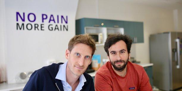 Les cofondateurs de la Fintech Qonto, Alexandre Prot, à gauche et Steve Anavi, à droite, qui ont développé une offre de néobanque pour les petites entreprises.