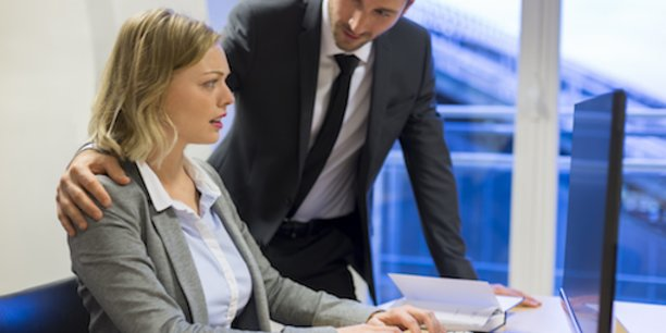 Selon une enquête CSEP/BVA de novembre 2016, 80% des femmes sont régulièrement confrontées à des attitudes ou des décisions sexistes au travail.