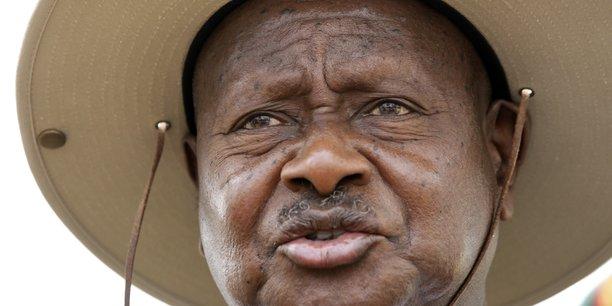 Le président ougandais Yoweri Museveni, âgé de 73 ans, a réussi à abroger la limite actuelle de l'âge des candidats pour se présenter à l'élection présidentielle qui est de 75 ans.