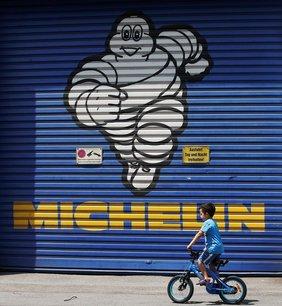 Michelin cree une coentreprise de pneus avec sumitomo en amerique du nord[reuters.com]