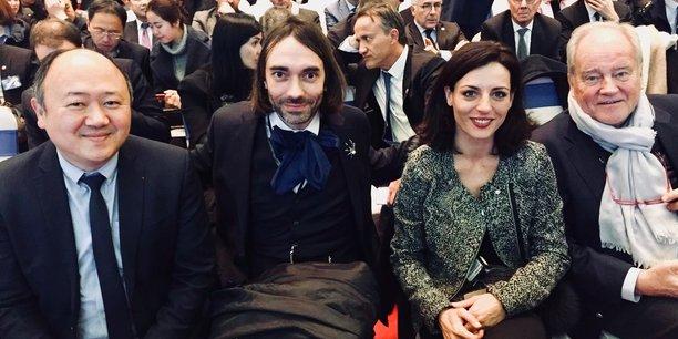 Au centre : Coralie Dubost, aux côtés du député de l'Essonne Cédric Villani
