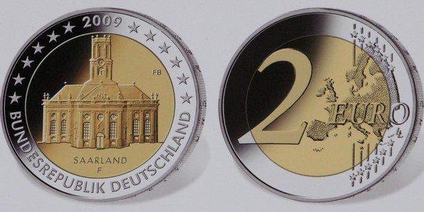 Vers 11 heure, heure de Paris, l'euro valait 1,1937 dollar, contre 1,1967 dollar lundi vers 23 heures.