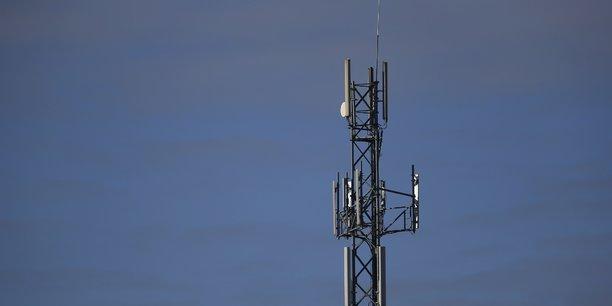 Selon l'Arcep (le régulateur des télécoms), Orange, Bouygues Telecom, SFR et Free couvrent aujourd'hui respectivement 92%, 90%, 91% et 82% de la population en 4G. Mais en termes de couverture globale, les chiffres sont beaucoup moins bons.