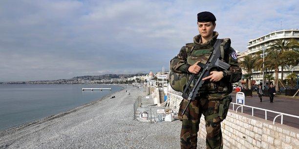 La Tribune: L'armée comme creuset national Armee-francaise-femme-militaire-feminisation-egalite-mixite-discrimination
