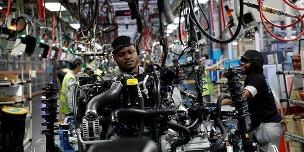 Les emplois dans le secteur industriel sont surreprésentés dans les entreprises contrôlées par des firmes multinationales étrangères.