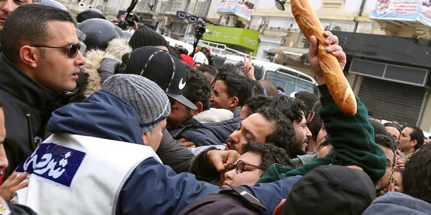 Des mesures pour les plus pauvres attendues en tunisie[reuters.com]