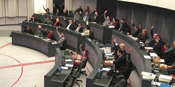 Les élus départementaux ont voté à main levée.