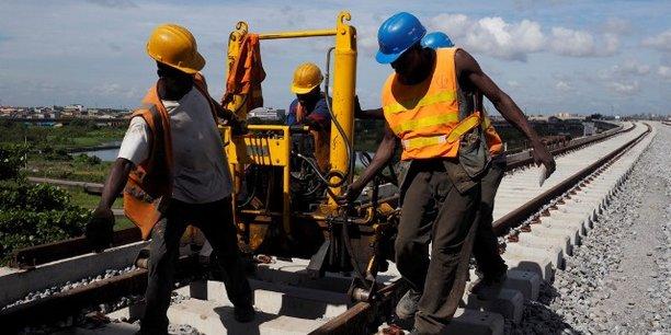 En Guinée, la future voit ferrée reliera le terminal de Dapilon du port de Boké et les gisements de la SMB situés à Santou et Houda vers la préfecture de Télimélé.