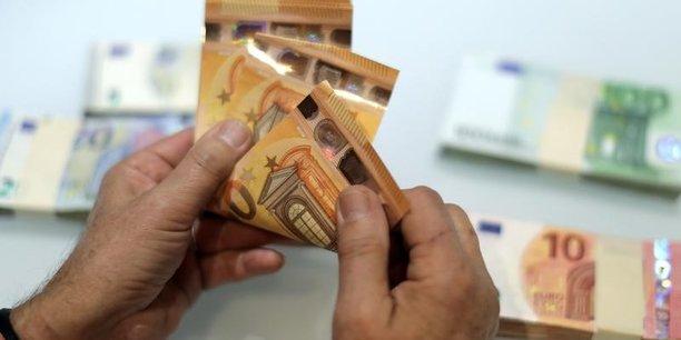 Un décret d'application viendra fixer le montant maximal du retrait d'argent liquide autorisé auprès d'un commerçant lors du règlement d'un achat par carte.
