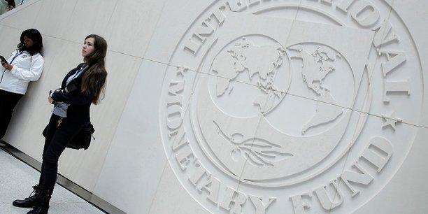 S'agissant des Etats-Unis, le FMI estime que la baisse de l'imposition sur les entreprises devraient tirer les investissements, ce qui pourrait se traduire par 1,2 point de pourcentage de croissance supplémentaire jusqu'à fin 2020 tout en stimulant la croissance de ses partenaires commerciaux à l'instar du Mexique.