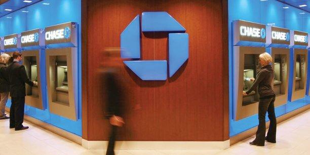 JP Morgan, qui compte 5.130 agences Chase dans 23 Etats américains, va en ouvrir 400 de plus dans des marchés importants où elle n'est pas présente, comme Washington DC et Boston.