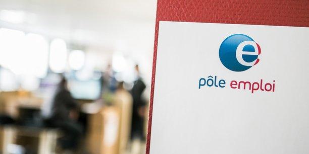 En Auvergne Rhône-Alpes, les entreprises régionales prévoient de recruter près de 324.000 personnes sur l'année à venir, soit un nombre en léger retrait par rapport à l'édition précédente menée avant la crise (-3,7%), mais qui conforte la seconde place de la région, juste après l'Ile-de-France, en termes de volume.