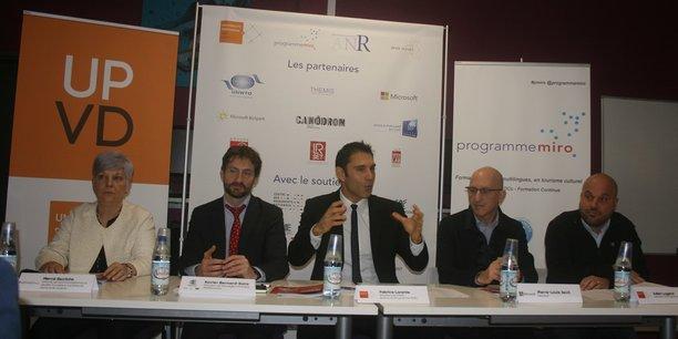 De gauche à droite : M. Escrichs (Generalitat de Catalunya), X. Bernard-Sans (Eurorégion Pyrénées-Méditerranées), F. Lorente (UPVD), P.-L. Xech (Microsoft) et J.Lugand (Miro).
