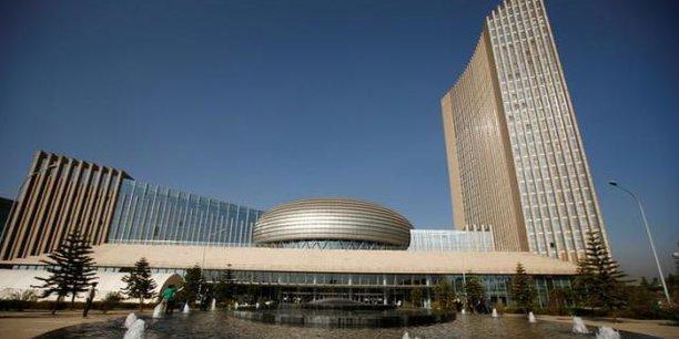 En plus de la construction du siège de l'Union Africaine à Addis-Abeba, Pékin avait « gracieusement » offert le système informatique à l'UA.