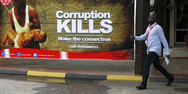 148 milliards de dollars sont drainés hors du continent par diverses formes de corruption, ce qui représente environ 25% du PIB moyen de l'Afrique.
