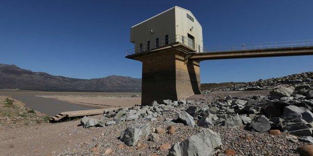 Les réserves en eau de la ville du Cap sont tombées à 27% alors que l'arrêt total de l'approvisionnement en eau et le passage au rationnement est prévu pour le 12 avril prochain. Ici une vue du Barrage Voelvlei le 8 novembre 2016.