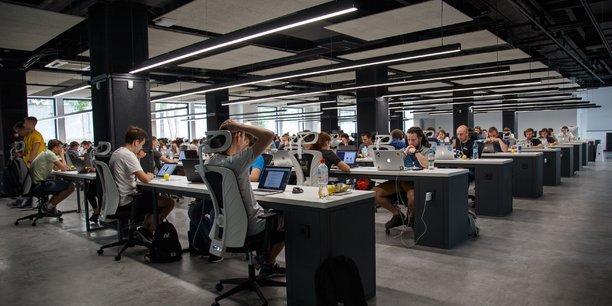 A l'heure où l'intelligence artificielle se déploie dans tous les domaines et que les algorithmes sont largement utilisés par les entreprises, des questions éthiques semblent se poser.