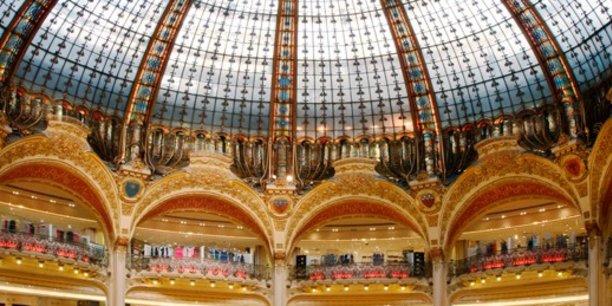 Aperçu de la coupole des Galeries Lafayette Haussmann, à Paris, vaisseau amiral de l'enseigne.