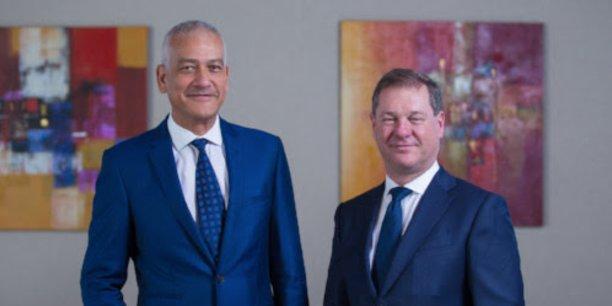 A gauche, Richard Arlove, CEO d'ABAX. A droite, Nick Cawley, CEO d'Ocorian.