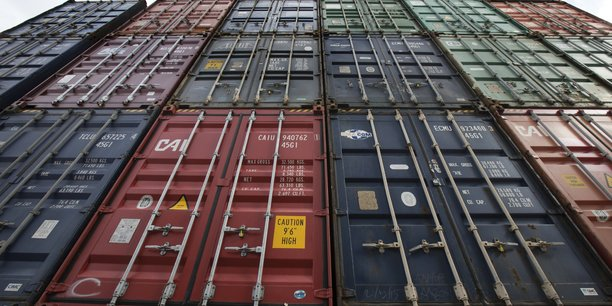 En février, les importations ont effacé leur gain du mois précédent, s'inscrivant en recul de 1,4% (après une progression de 1,0% en janvier) sous l'effet d'une importante contraction des approvisionnements aéronautiques, pour atteindre un montant de 44,9 milliards d'euros.