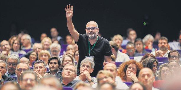 Assemblée générale de la Maif. Tous les ans, un tiers des 2,2 millions de sociétaires de la mutuelle est appelé à voter pour choisir les délégués qui les représenteront pendant trois ans à l'AG.