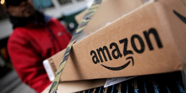 Le site de commerce en ligne Amazon emploie 566.000 personnes dans le monde.