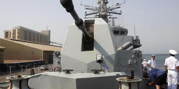 Une fregate britannique va transiter par la mer de chine du sud[reuters.com]
