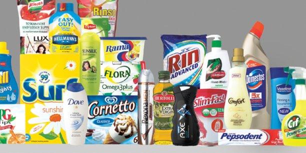 Unilever qui fabrique entre autres les savons Dove, les soupes Knorr ou encore les glaces Magnum a consacré l'an dernier environ 7,7 milliards d'euros à ses dépenses commerciales. La publicité sur les supports numériques représente environ un tiers de son budget commercial.