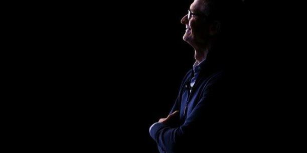 Apple: tim cook n'est pas fan d'un dividende exceptionnel[reuters.com]